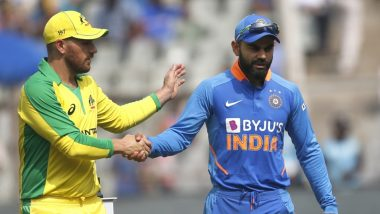 AUS 165/2 in 30 Overs | India vs Australia Live Score 3rd ODI 2020: Steve Smith Scores his 25th ODI Half-Century